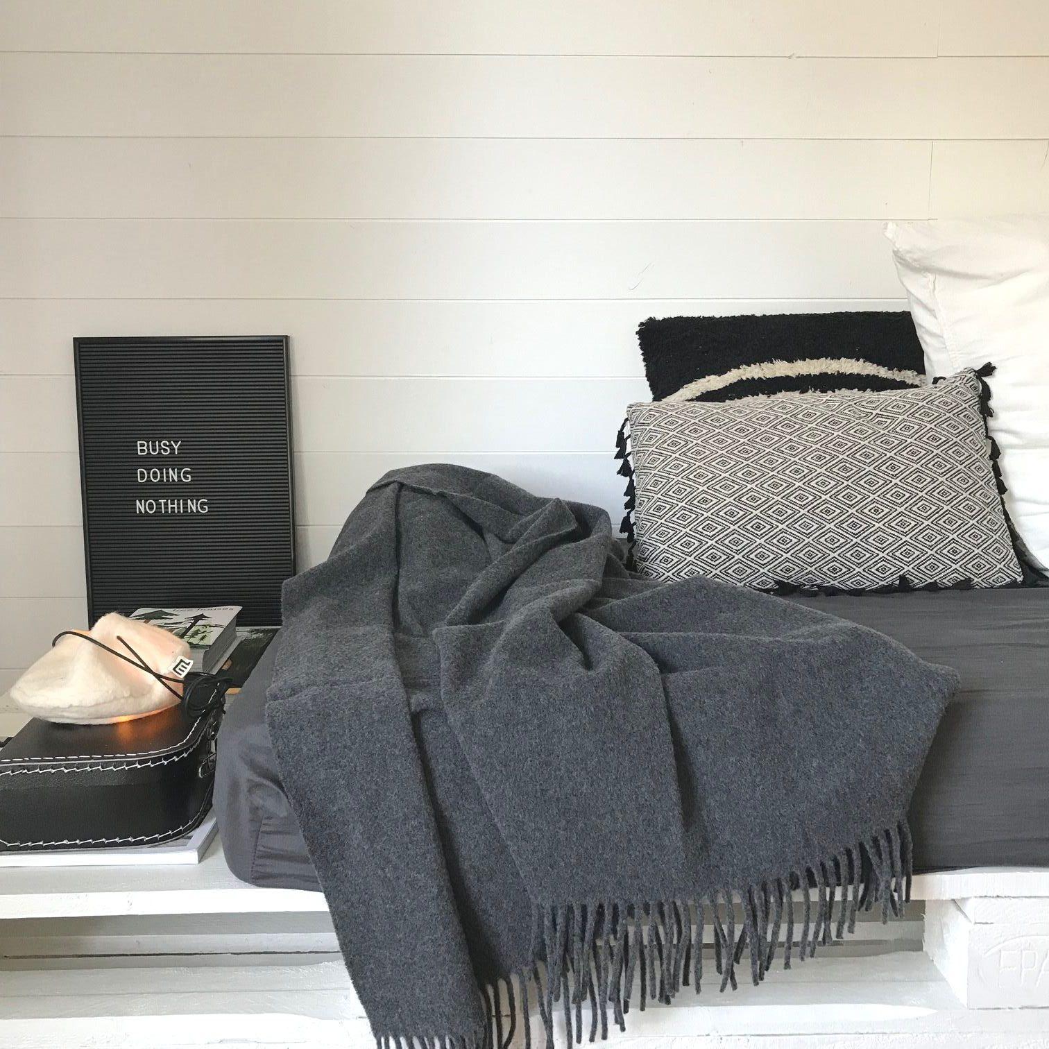 cocooning mood zaza home. Black Bedroom Furniture Sets. Home Design Ideas