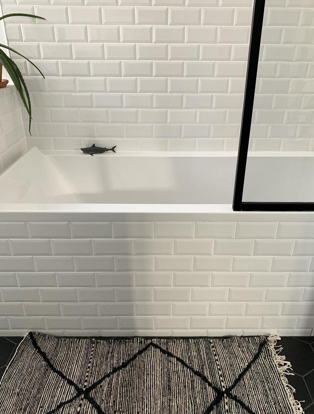 baignoire carrelage blanc echoppe bordeaux renovation